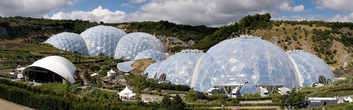 The Eden Project in Cornwall, by Jürgen Matern.