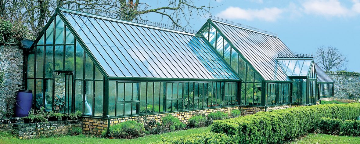 Bespoke lean to greenhouse 12